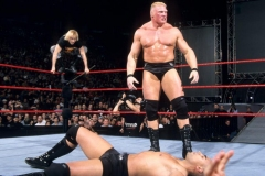 Brock-Lesnar-Looking-Angry